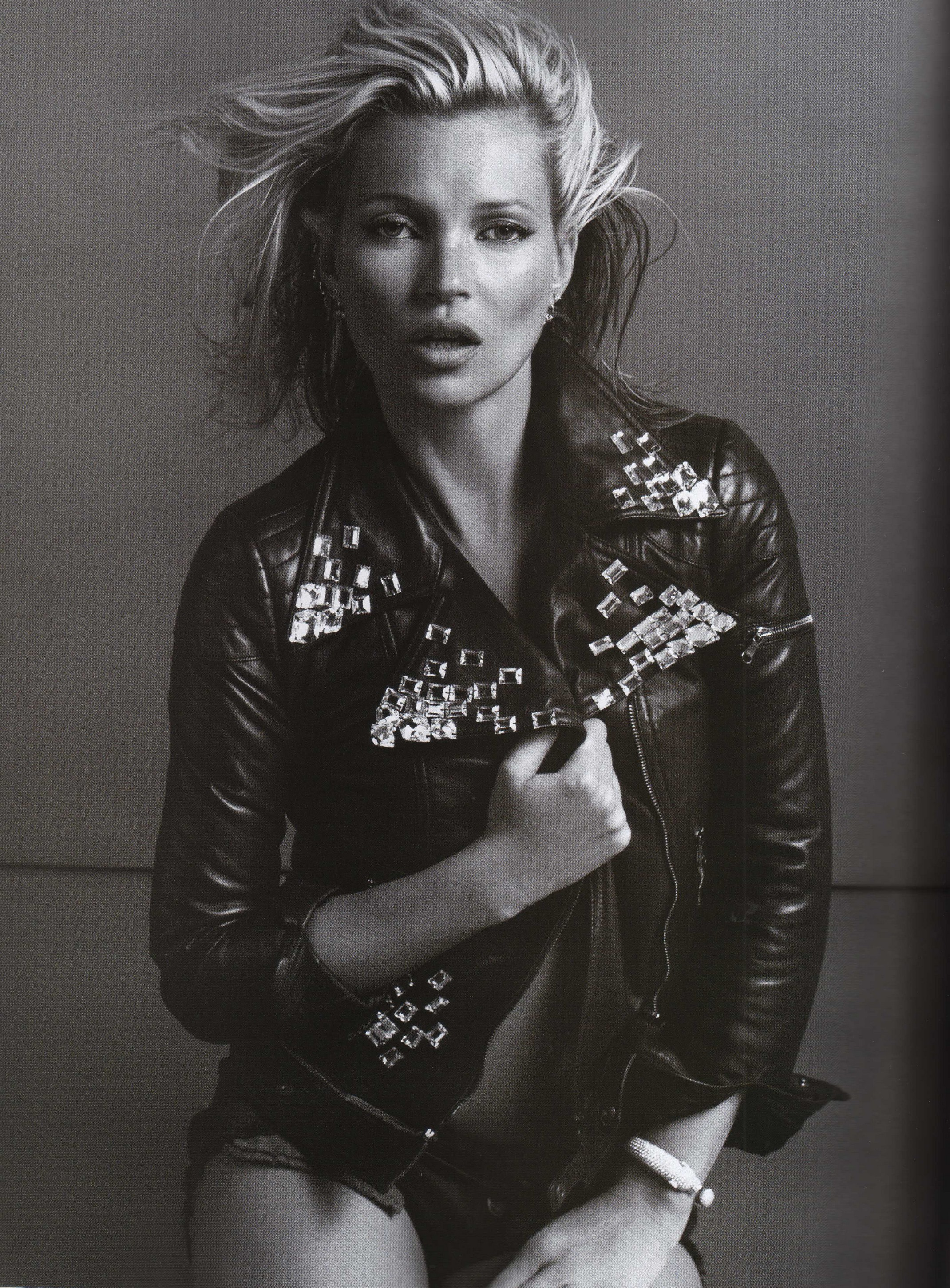 Kate Moss Is The Queen Of Cool On 37th Vogue Uk Cover: Vogue Paris: Kate Moss